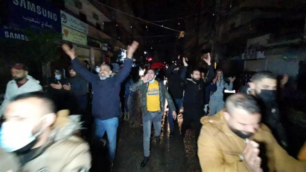 مسيرة راجلة في شوارع صيدا احتجاجاً على تردي الاوضاع المعيشية