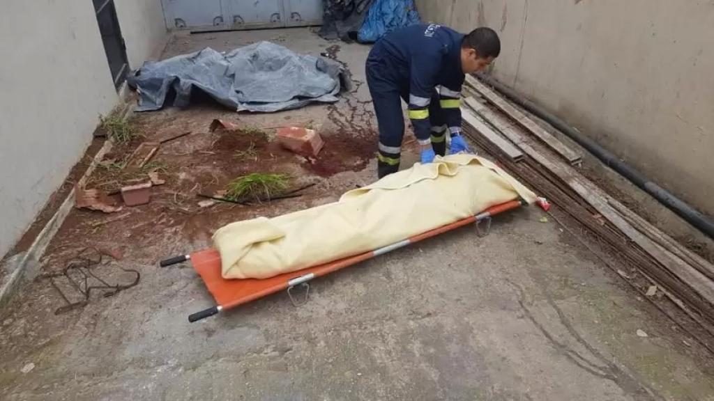 العثور على جثة شاب مضرجة بالدماء في طرابلس