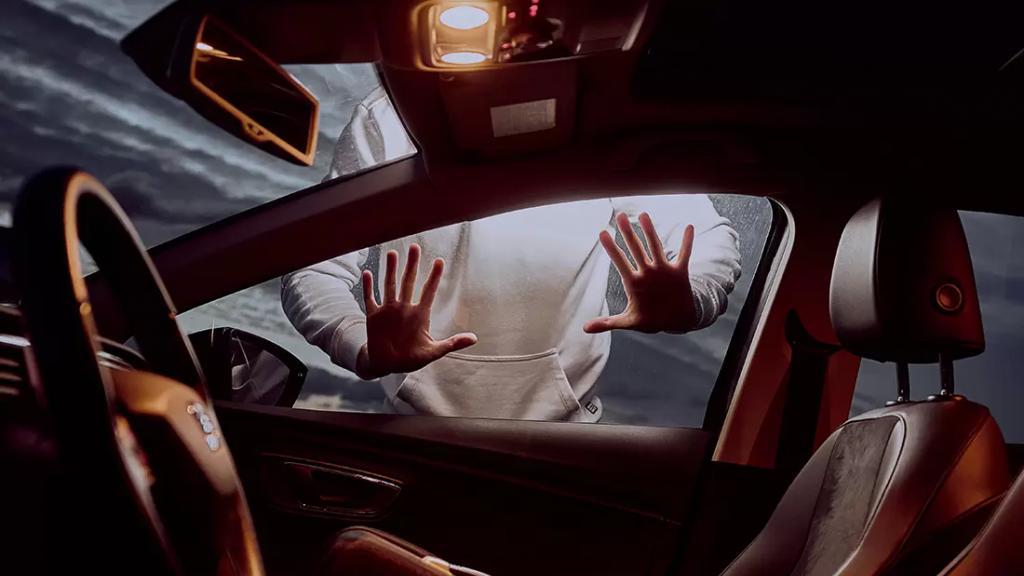 اعترضوا طريق طبيب وسلبوه سيارته و3500 دولار في محلة عمشكي بعلبك