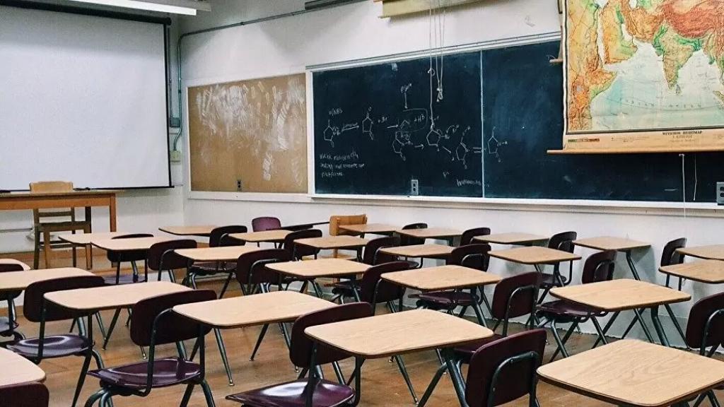 في ظل الأوضاع الصعبة... مدرسة خاصّة تعلن: التعليم مجّاني... ولسنتين