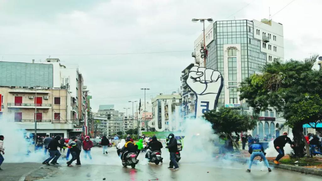 مشاعر اليأس والغضب انفجرت في طرابلس.. من يريد توظيف حريق طرابلس لإشعال سيجارة؟ (الجمهورية)