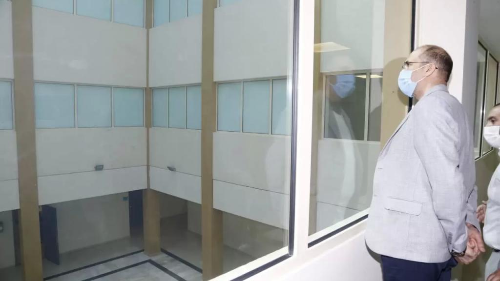 وزير الصحة: مؤشرات الإغلاق واعدة ومبشرة ولا يجوز فتح البلد دفعة واحدة