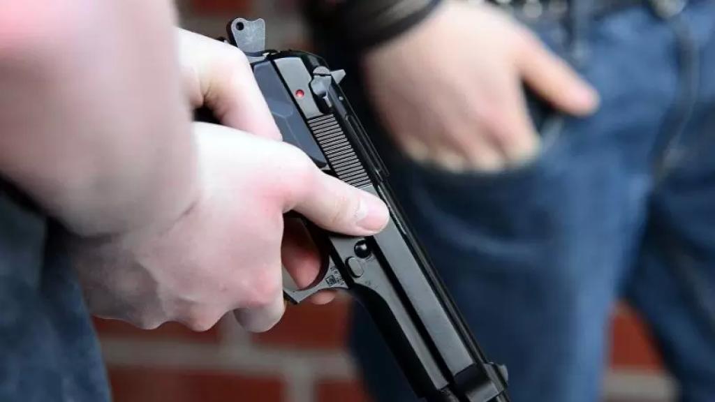 مجهولون أطلقوا النار باتجاه محلات لبيع المواد الغذائية في بعلبك