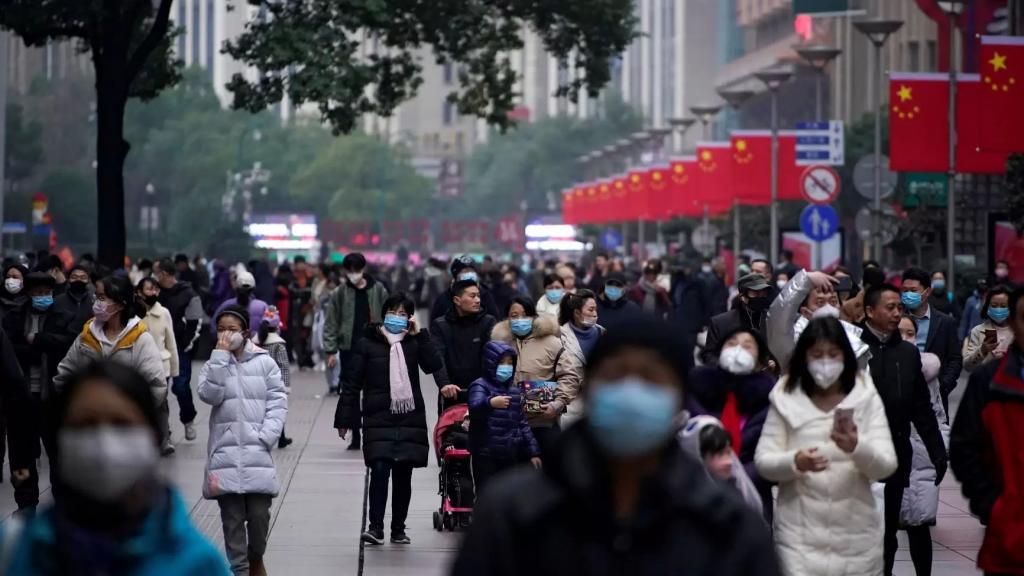 """تقرير لـ""""الغارديان"""" يحذّر من تفشي فيروس قاتل في الصين اسمه """"نيباه"""" بمعدل وفيات يصل إلى 75%"""