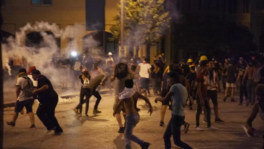 قوى الأمن ترد على من يُدلي بمعلومات وتحليلات مُضلّلة عمّا حصل من أحداث أمام سراي طرابلس: كأنّهم مُحلّلون متخصّصون بالمَهمّات الأمنية
