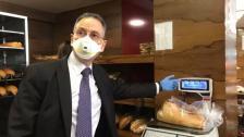 """وزير الاقتصاد يرفع سعر ووزن ربطة الخبز... """"ربطة حجم كبير زنة 930 غ بسعر 2500 ليرة وربطة حجم وسط زنة 450 غ بسعر 1750 ليرة"""""""