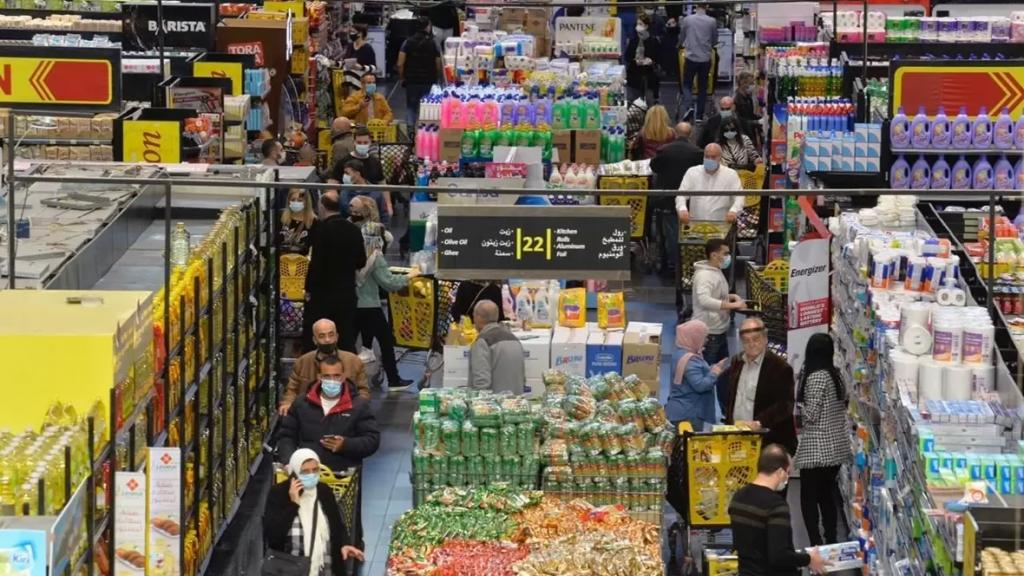 نقابة مستوردي المواد الغذائية تُحذر: المخزون الغذائي مهدد بالتناقص
