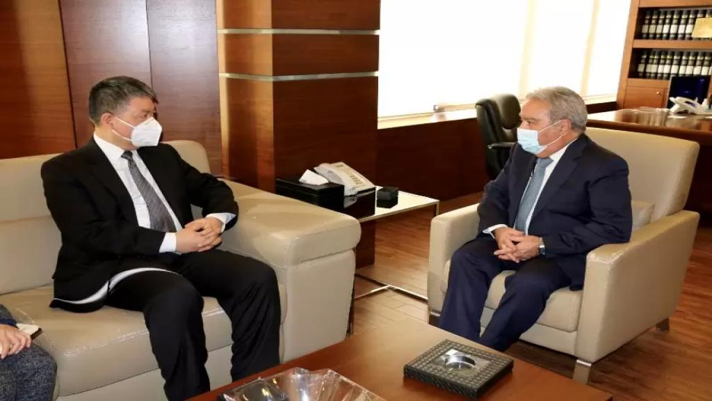 سفير الصين يؤكد استمرار بلاده في تقديم الدعم والمساعدة في هذه الظروف الصعبة التي يمر بها لبنان