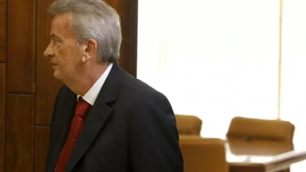 قاضي التحقيق الأول في جبل لبنان حدد جلسة في 8 شباط لاستجواب سلامة وآخرين بجرم الإهمال الوظيفي وإساءة الأمانة ومخالفة قرار إداري