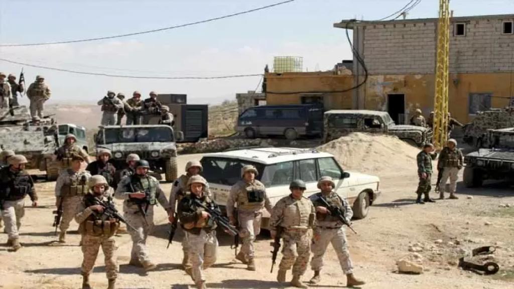 """مصدر أمني للميادين: الجيش اللبناني داهم عدة منازل في بلدة عرسال البقاعية بعد اعترافات موقوفي """"داعش"""""""