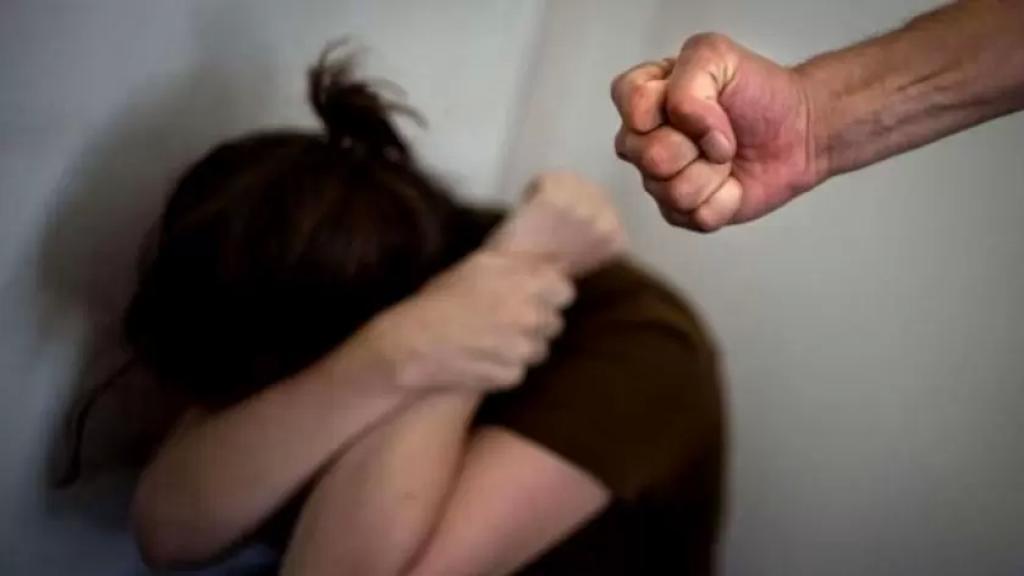 خلال فترة كورونا.. ارتفاع كبير وواضح بالعنف الاسري بنسبة 96.5 بالمئة !