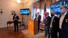 8 لبنانيين من مديري وعلماء شركة موديرنا يتقلدون وسام الاستحقاق الوطني لجهودهم في تطوير لقاح لكورونا