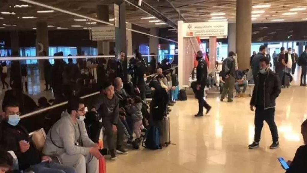 سفير الاردن أبلغ وزير الخارجية ان بلاده سمحت بدخول كل اللبنانيين العالقين في مطار عمان