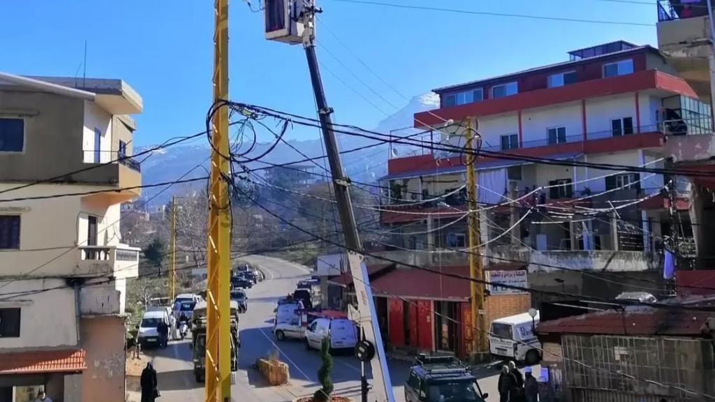 للمرة الثانية خلال أسبوع...سرقة أسلاك شبكة التيار الكهربائي في سير الضنية مستغلين إنقطاع الكهرباء!