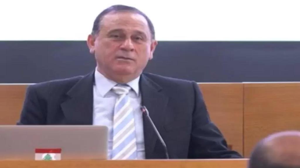 وزير الصناعة: لن نسمح برفع سعر الإسمنت وسنداهم المحال والمصانع التي ترفع الأسعار وسنحيلها إلى القضاء