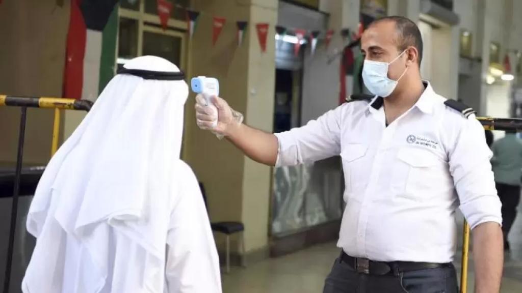 سلطات الكويت تدق ناقوس الخطر.. نسبة المصابين بكورونا في غرف العناية المركزة بلغت 100%