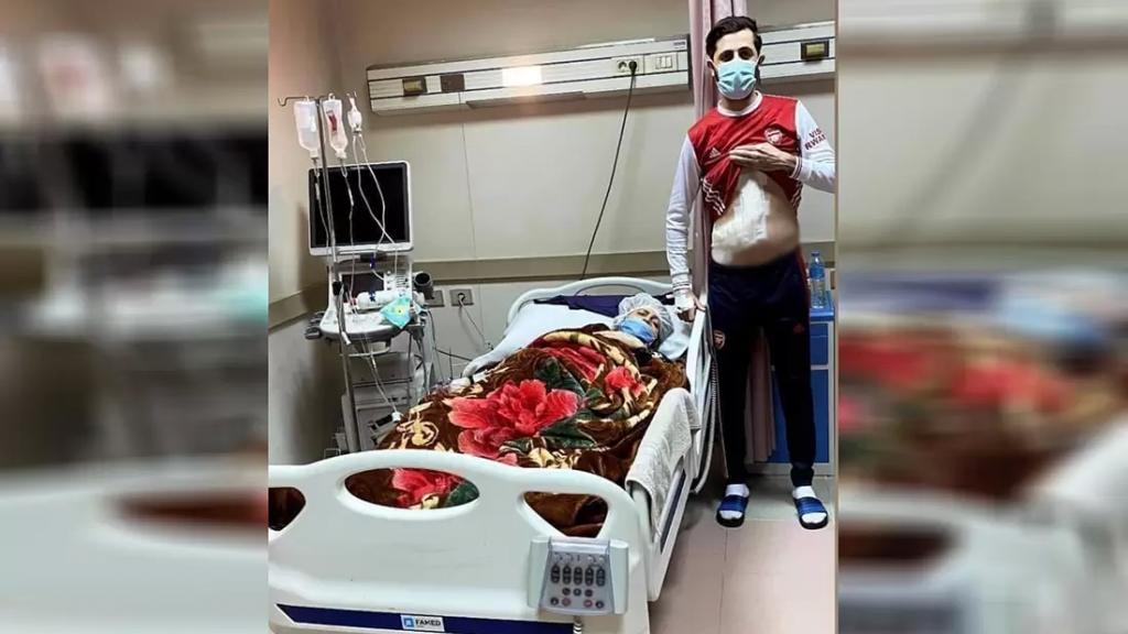 صورة معبرة.. فلسطيني وهب جزء من كبده لإنقاذ أمه في غزة