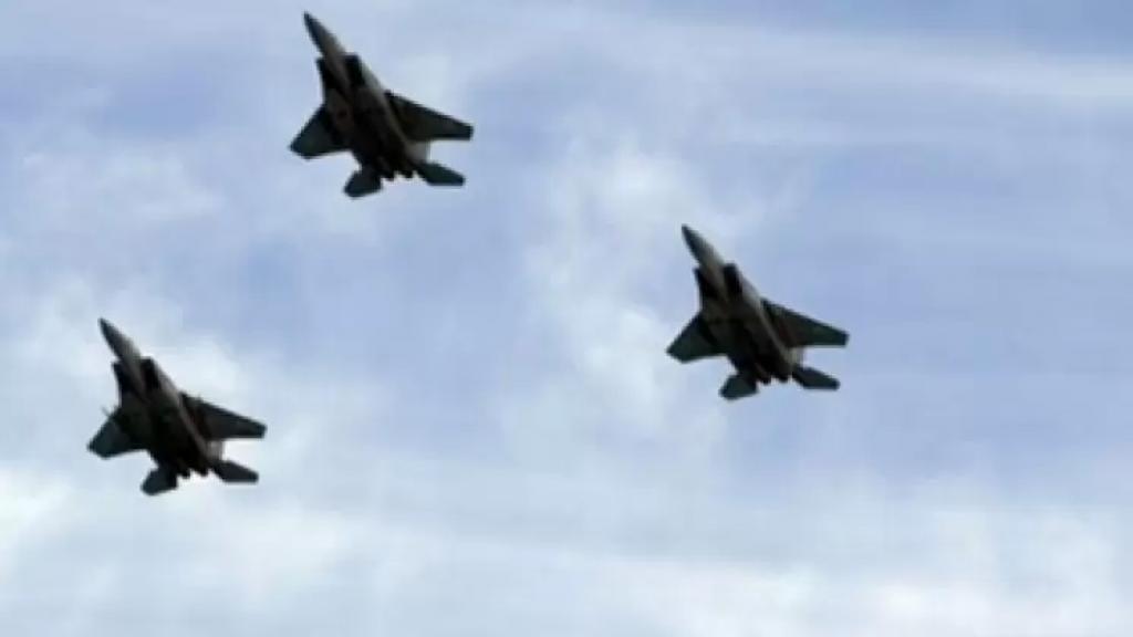 الإعلام العبري: مُناورة حربية ستبدأ غدًا وستُلاحظ حركة نشطة للطائرات