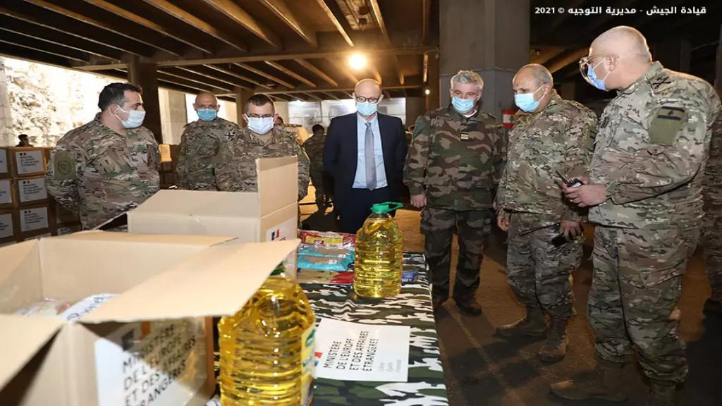 هبة عينية من السفارة الفرنسية عبارة عن 2108 حصّة غذائية قيمتها 60 ألف دولار أميركي لصالح الجيش اللبناني لتوزيعها على العسكريين