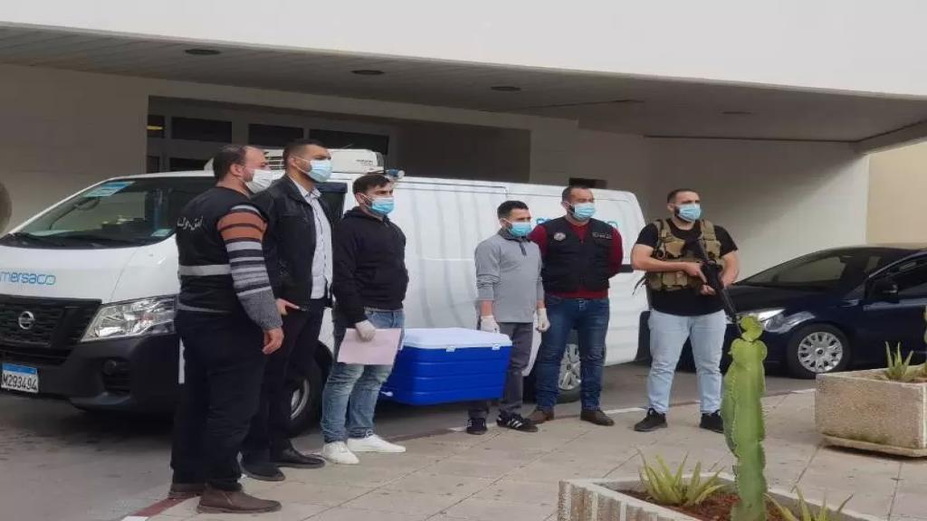 وصول دفعات من اللقاحات إلى مستشفى صيدا الحكومي والمعونات تمهيدًا لإنطلاق عملية التلقيح