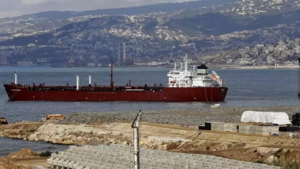 اتفاق النفط العراقي قريباً..سيحصل لبنان على 500 ألف طن لمدة عام مقابل سداد قيمتها على شكل سلع طبية وأدوية وخدمات استشارية (الأخبار)