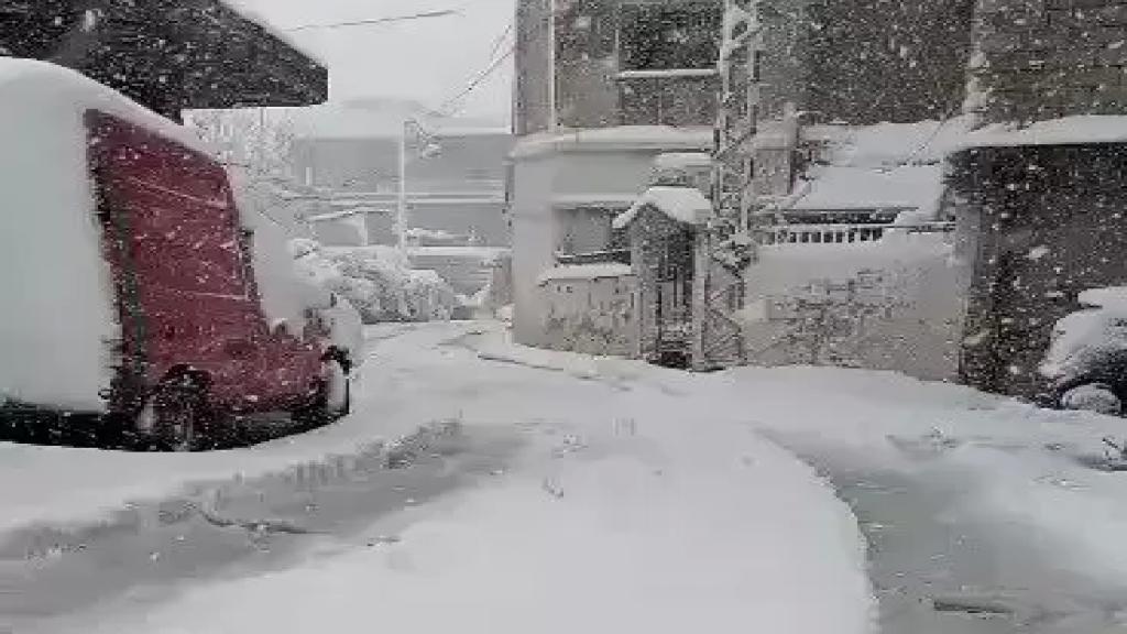 بالفيديو/ مشهد الثلوج في شمسطار