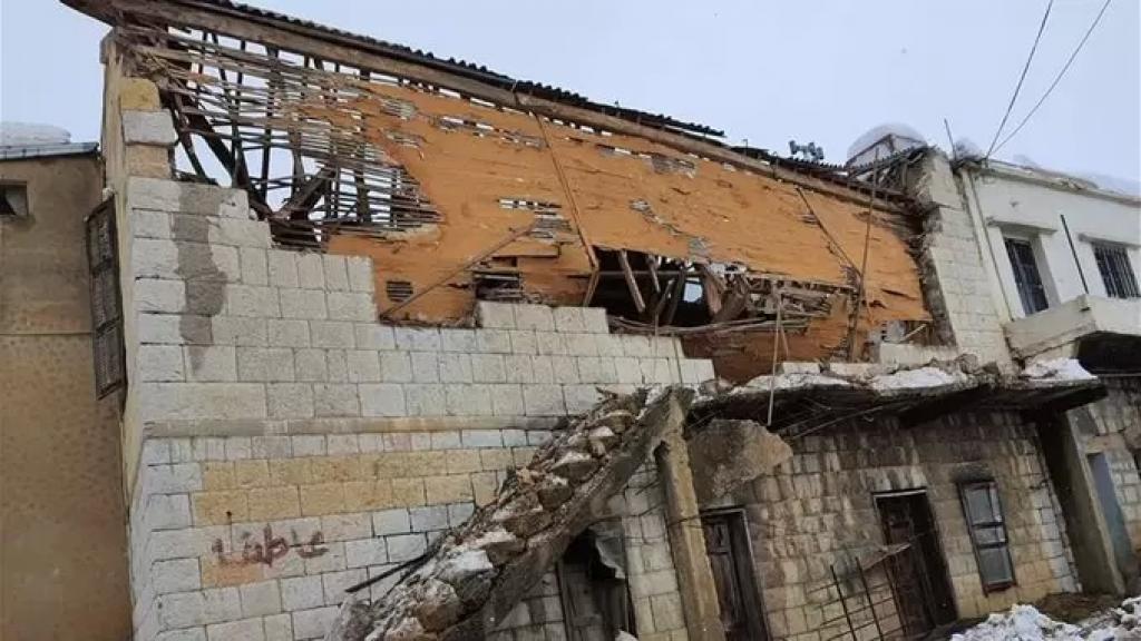 يعود بناؤه الى أربعينيات القرن الماضي...سقوط سقف دار سينما حرمون التاريخي في راشيا الوادي
