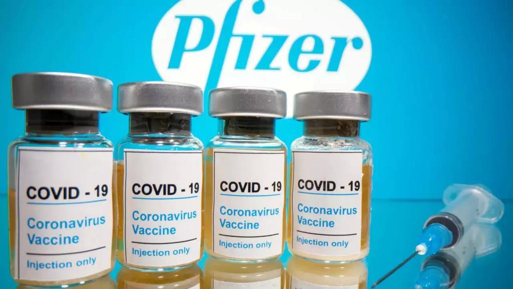 باحثان يحثان على إرجاء التطعيم بالجرعة الثانية من لقاح فايزر