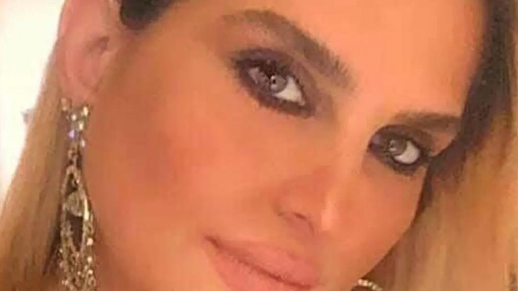 نادين حلاوي ابنة الـ 47 عاماً رحلت تاركة ابنتين اثر مضاعفات كورونا