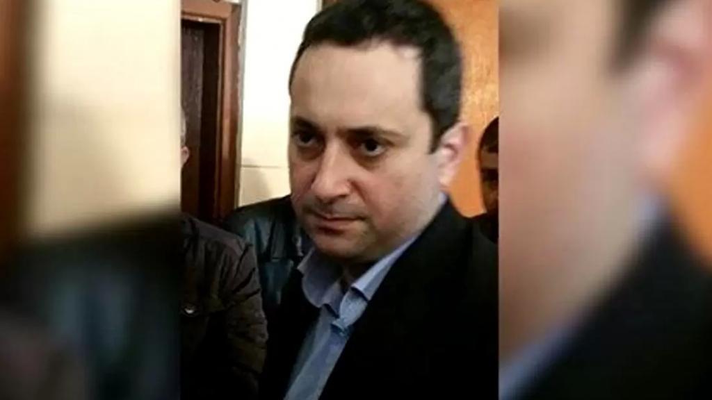 المحقق العدلي الجديد في جريمة انفجار مرفأ بيروت القاضي طارق البيطار توجه الى مكتبه للإطلاع على الملف تمهيداً للبدء بمتابعة التحقيقات