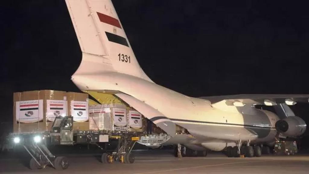 طائرة مصرية محملة بمساعدات طبية وغذائية للجيش اللبناني تصل الى بيروت الخميس المقبل