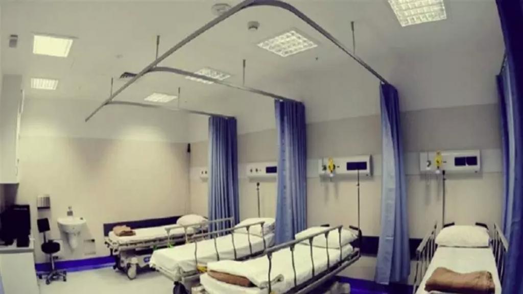 عاملو المستشفيات الحكومية ناشدوا وزير الصحة إنصافهم: رواتبنا لا تتخطى الـ 200 دولار ونواجه أشرس الأوبئة