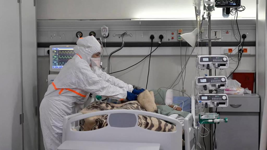 منظمة الصحة العالمية: وباء كورونا قد ينتهي بحلول العام المقبل لكن الفيروس لن يختفي