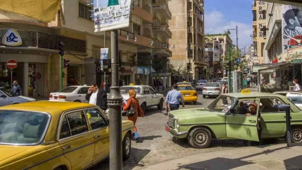 المكتب الإعلامي لوزارة الأشغال: خبر رفع تعرفة السرفيس عار من الصحة