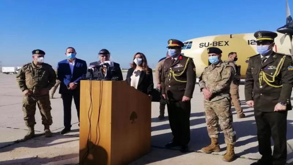 الوكالة الوطنية: وصول طائرة مصرية محملة بمساعدات طبية وغذائية للجيش إلى القاعدة الجوية في مطار بيروت