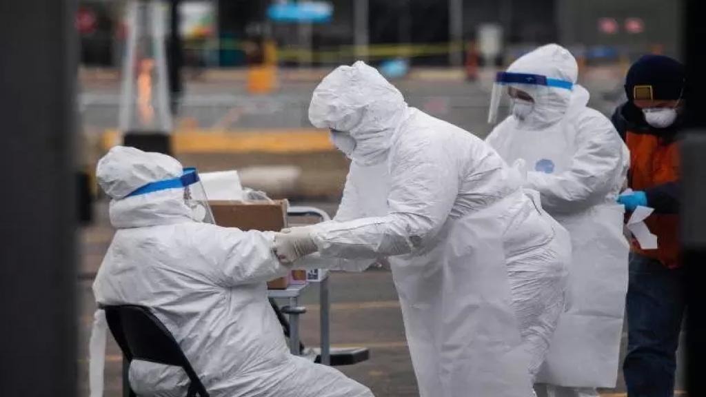 """بداية العام القادم 2022.. مسؤول بالصحة العالمية يكشف موعد """"الخلاص"""" من كورونا!"""