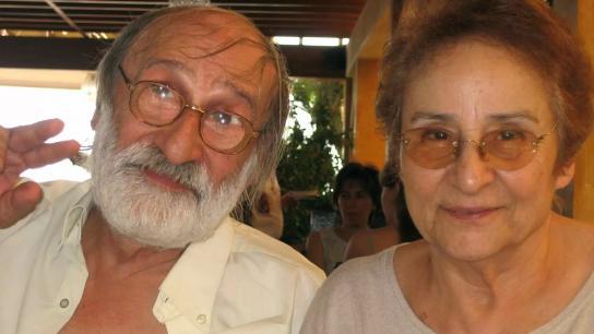 فنانان لبنانيان يناشدان: نحن مريضان ولا يمكننا التحرك من المنزل.. كيف يمكننا الحصول على لقاح فايزر؟
