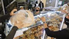 لقمة الفقراء.. ربطة الخبز إلى 3000 ليرة بقرار من راوول نعمة! (الاخبار)