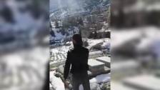 """بالفيديو/ شاب يطلق النار ابتهاجًا عند قبر بعد أخذ """"الثأر""""!"""