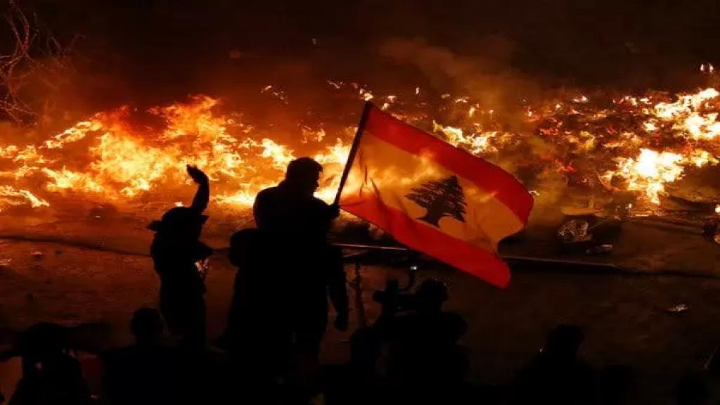 """صحيفة """"الإندبندنت"""" البريطانية: انفجرت بيروت قبل ستة أشهر ولبنان يتجه نحو الإنهيار التام"""