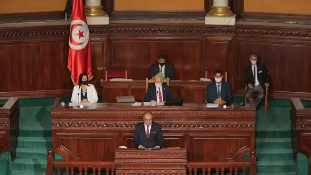 """بعد لبنان...جدل في تونس بشأن وصول لقاحات مضادة لكورونا لتطعيم مسؤولين كبار ونائب: """"للشعب رب يحميه"""""""