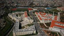 إلى طلاب الجامعة اللبنانية: 25 ألف شخص في اللبنانية سيتلقون اللَّقاح في آذار في مراكز التلقيح الستة في الجامعة
