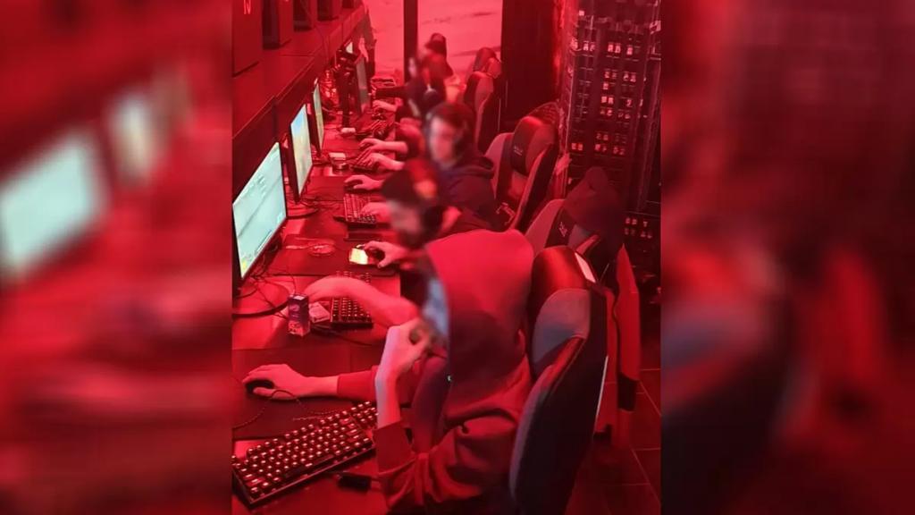 """""""كبسة"""" لشرطة البلدية في الغازية تكشف..حوالي 70 شاباً في محل ألعاب فيديو منتهكين إجراءات السلامة الوقائية من كورونا"""