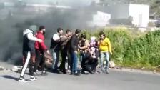قطع مسلكي أوتوستراد طرابلس بيروت بالاطارات المشتعلة احتجاجا على ارتفاع سعر صرف الدولار وتردي الاوضاع المعيشية