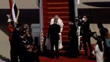 بالفيديو/ لحظة وصول البابا فرنسيس الى بغداد في زيارة تاريخية هي الأولى إلى العراق