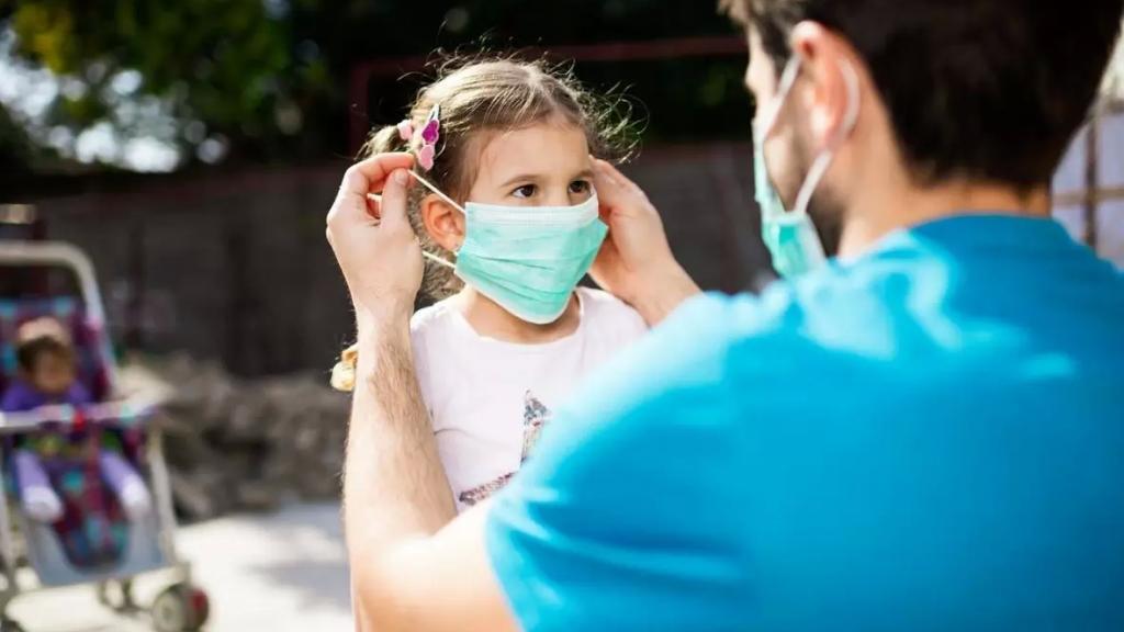 هل يمكن نزع الكمامة عند تلقّي اللقاح؟