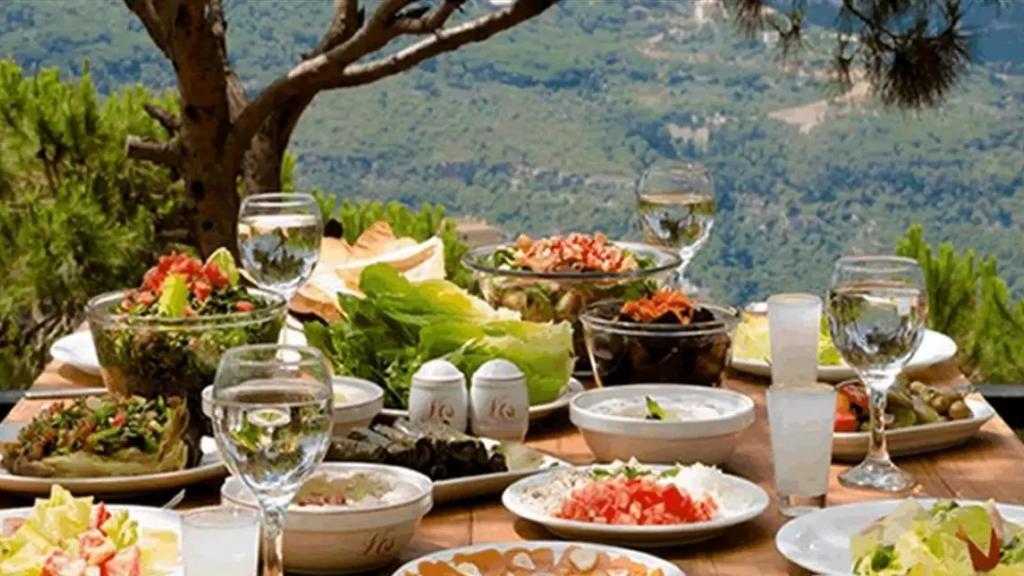الغداء سيعود إلى المطاعم... وهذا ما دعت إليه وزارة السياحة