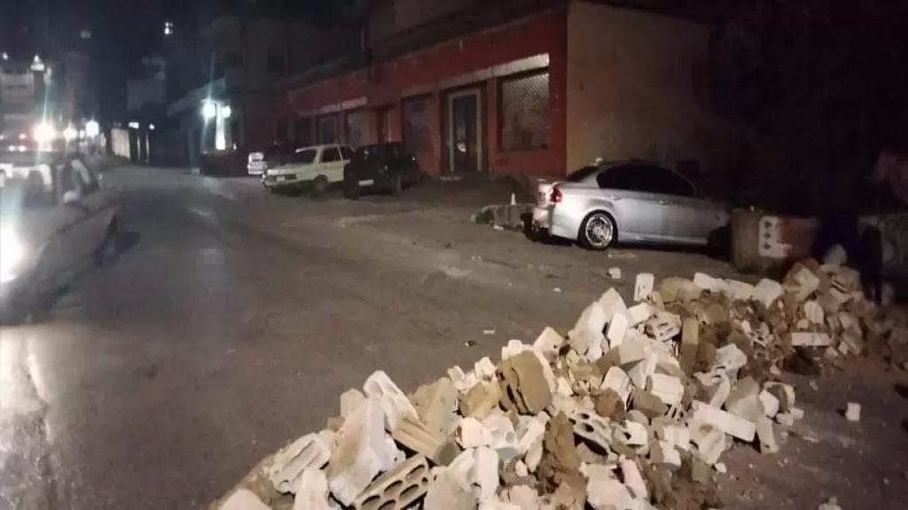 الوكالة الوطنية: قطع العديد من الطرق الرئيسية والفرعية في عكار بالاتربة والعوائق