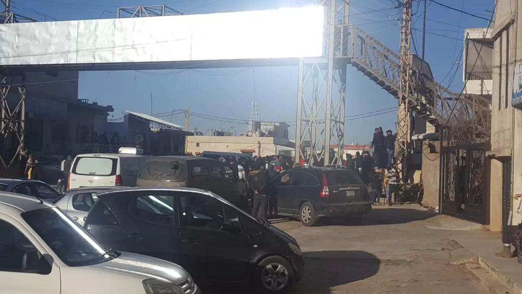 محتجون قطعوا طريق راشيا - المصنع عند المدخل الرئيسي لبلدة الصويري