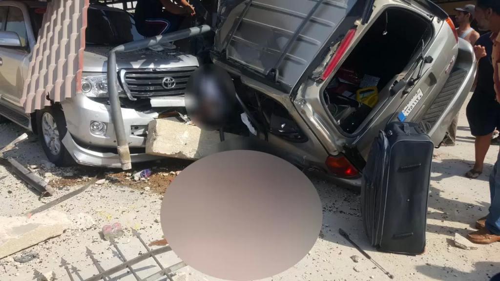 """قتيلان نتيجة حادث اصطدام سيارة """"كيا"""" بشاحنة على اوتوستراد شكا"""